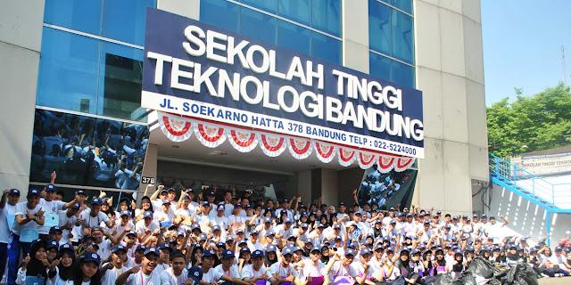 Wisuda XIV Sekolah Tinggi Teknologi Bandung