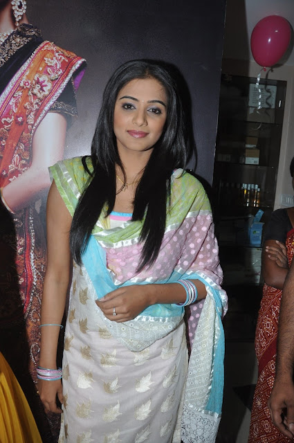 Priyamani  IMAGES, GIF, ANIMATED GIF, WALLPAPER, STICKER FOR WHATSAPP & FACEBOOK