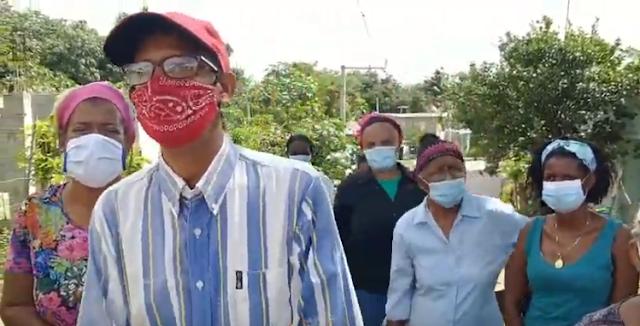 En Los Cocos de Pedro Brand reclaman tuberías a la CAASD