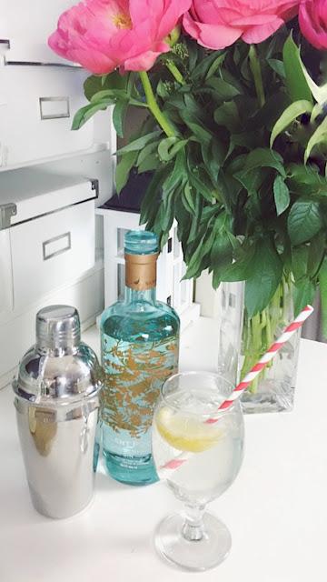 Silent Pool Gin Elderflower Collins cocktail