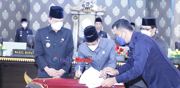 DPRD Sahkan APBD Perubahan Waykanan, Ali Rahman Ingatkan SKPD Capai Target