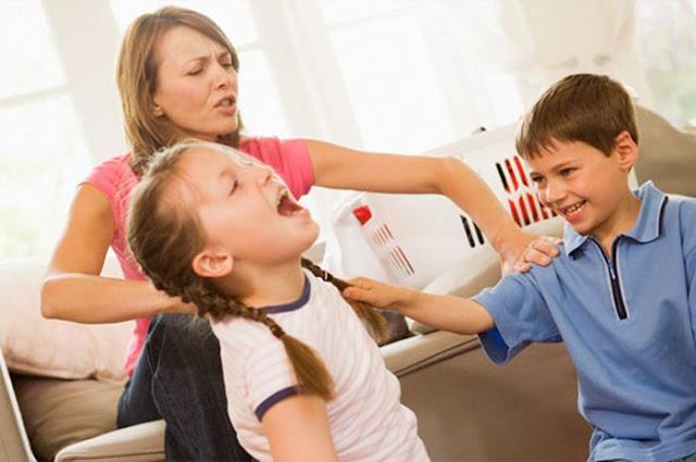 4 Kesalahan Orangtua yang Membuat Kakak Membenci Adiknya