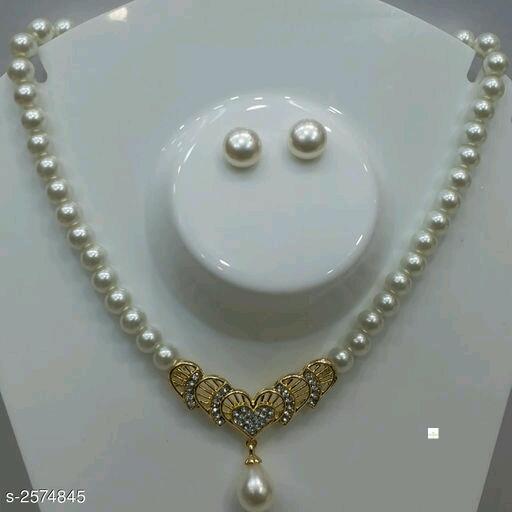 Stylish Pearl Women's Jewellery Sets