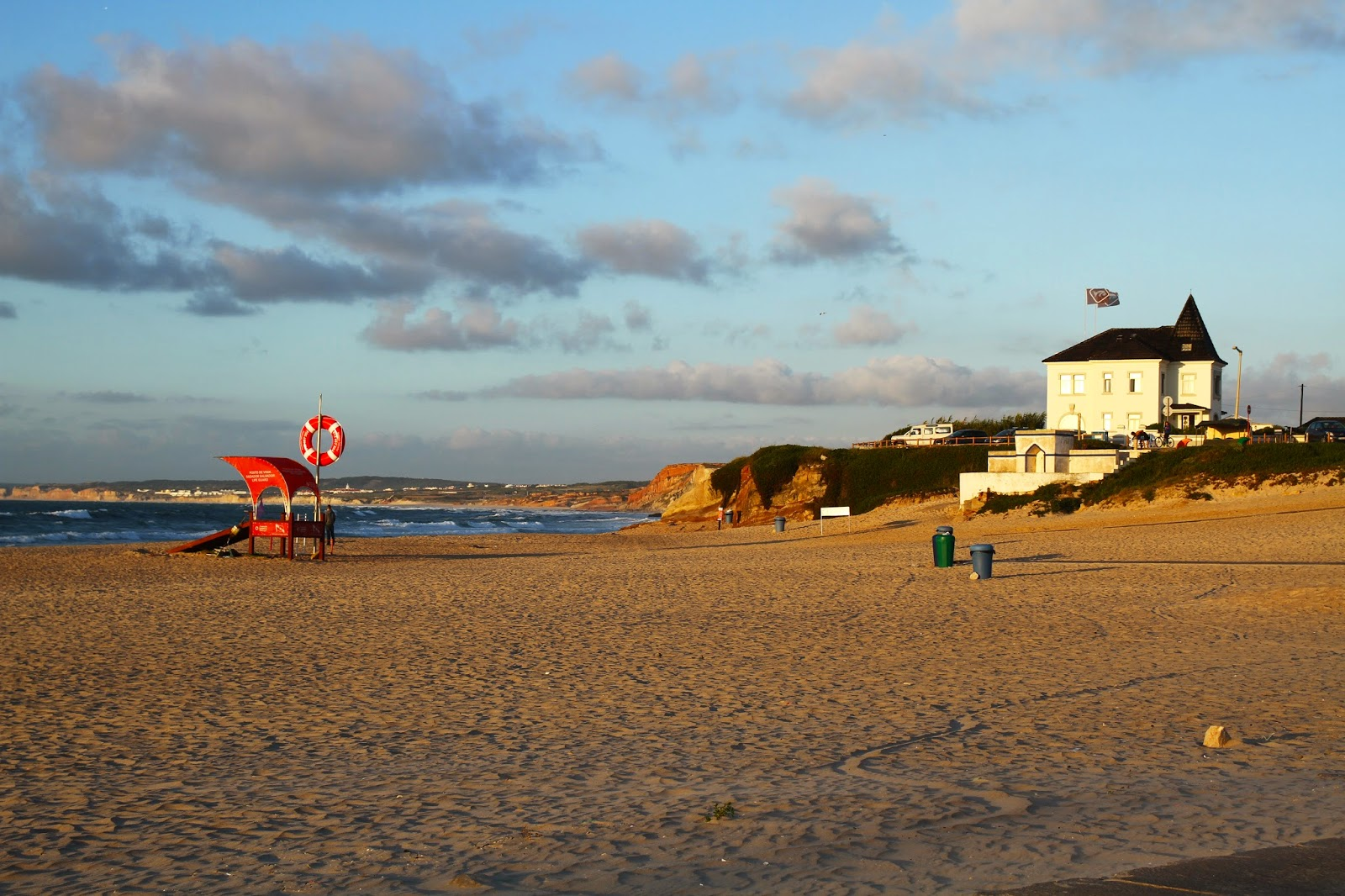 O magnífico destino de férias no Baleal - Da Pequena Baleia eu vejo o Baleal | Portugal