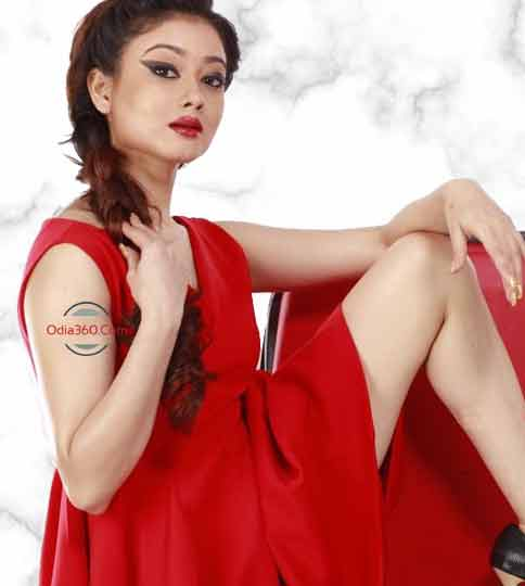 Ollywood Actress Lovely Ahmed Pretty Hot Wallpaper Download