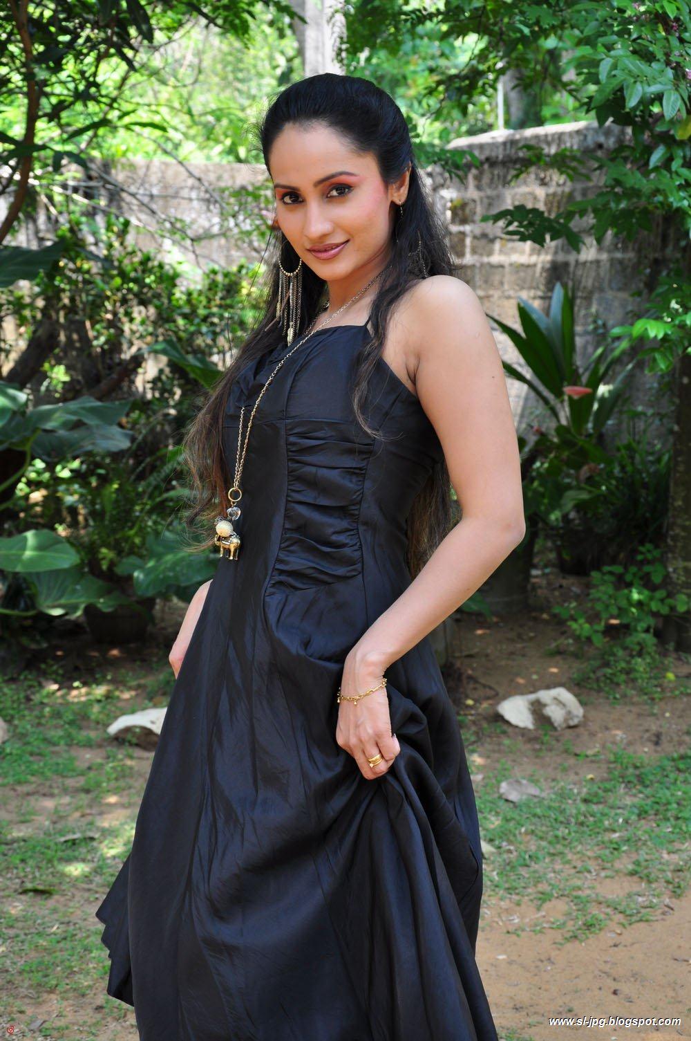Srilankan Actress Sri Lankan Actress Oshani Dias Hot Photos-5938