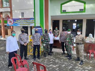 25 Jamaah Masjid Al Hidayah Palabuhanratu Lakukan Rapid Test Massal
