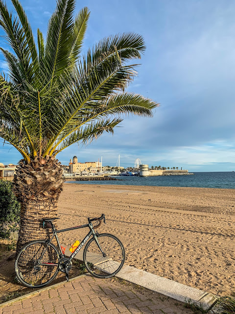 full carbon road bike rental ebike mtb saint maxime saint tropez mandelieu la napoule cannes nice france french coast Côte d'Azur pyrenees provence cycling travel bicycle shop