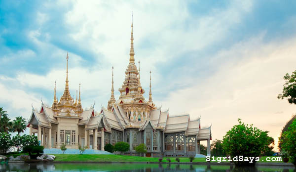 Chiang Mai, best Thailand tourist spots, Best Thailand tourist destinations, travel to Thailand, Thailand, Southeast Asia, things to do in Chiang Mai, Bangkok, shopping in Bangkok, capital of Thailand, Ko Chang, Ko Chang water adventures, things to do in Bangkok, things to do in Ko Chang, Thailand itinerary, Bacolod blogger, Chiang Rai, things to do in Chiang Rai, Ayutthaya, Asia, Thai temples, Thailand temples, Thailand culture, Thai cuisine, Sukhothai, Pai Canyon, Philippine Airlines, Cebu Pacific, selfie, spelunking, cave exploration, Buddha, Wat Mahathat, Thai elephant ride, elephants, royal temples in Thailand, Thai food