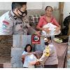 "Serahkan Bantuan Sembako Dari ""ERSHI COMUNITY TAKALAR"",  Bhabinkamtibmas Polsek Galut Sosialisasi Larangan Mudik"