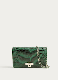 The cross-the-body bag is still a key trend for AW17 and this version from Uterque has a mock croc finish