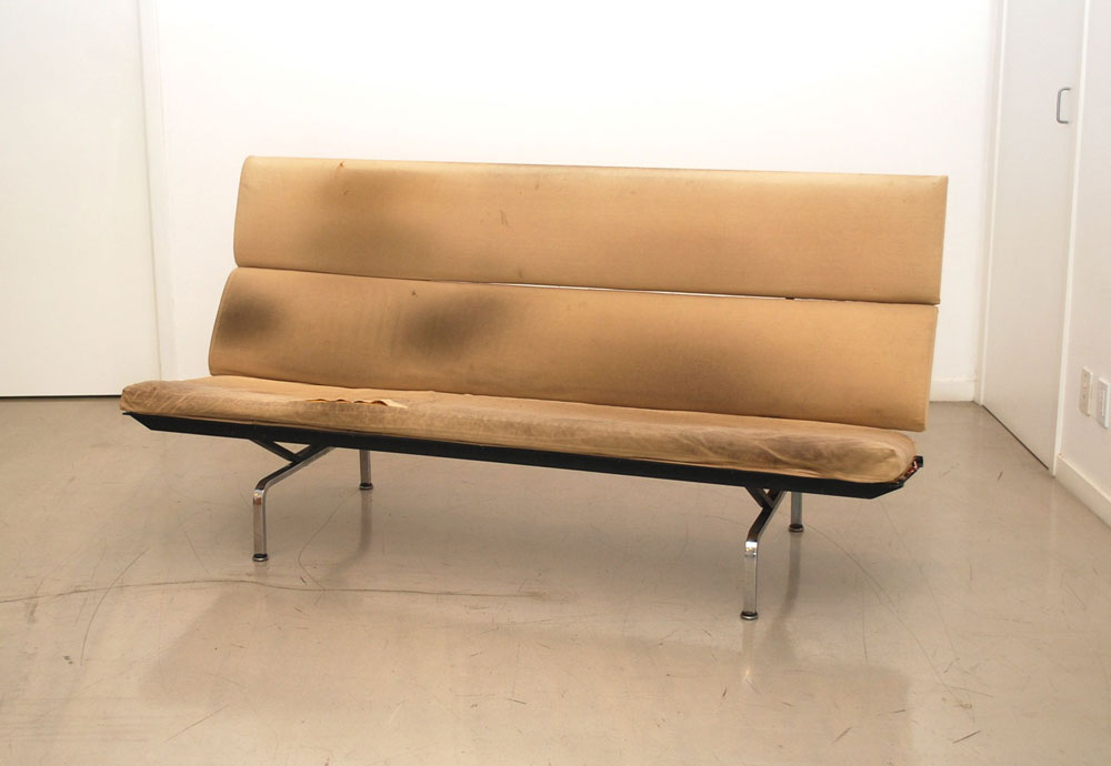 Clic Design Before After Eames Compact Sofa