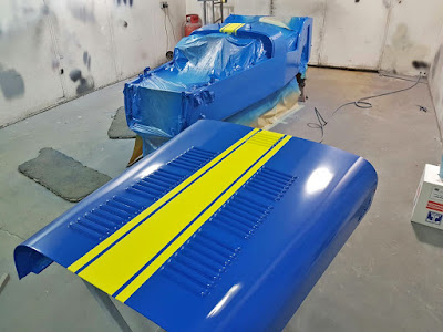 Caterham bonnet in Porsche Z12 Voodoo Blue with RAL 1016 Sulfur Yellow triple stripe