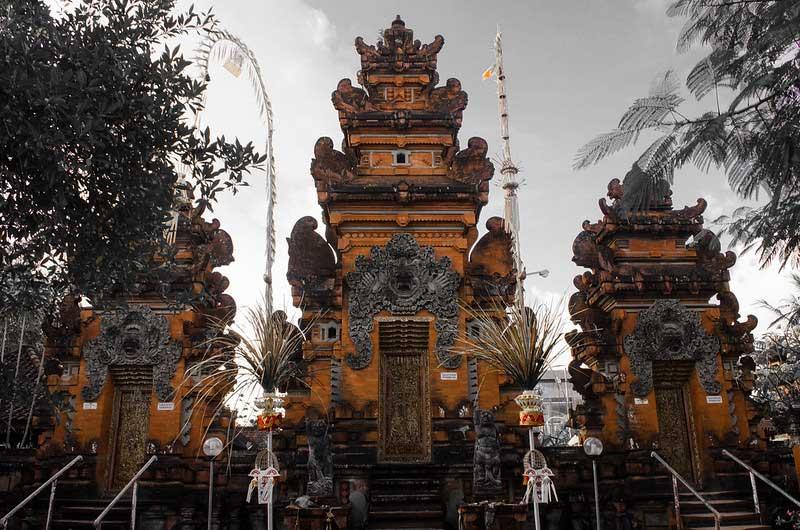 Pura Petitenget Seminyak Bali