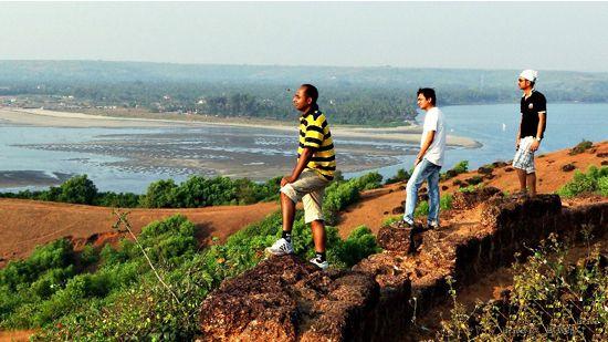 Dil Chahta Hai – Goa and Sydney (2001)