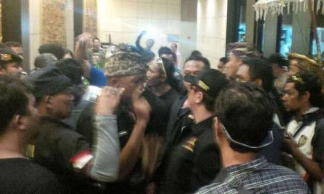 Tolak Ikrar di Bali, Ustadz Somad: (Mereka) Preman Nasi Bungkus!