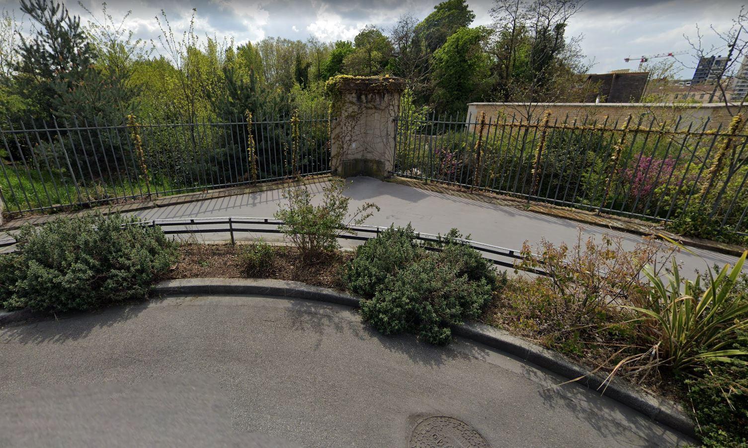 Aux abords du Parc Blandan à Lyon