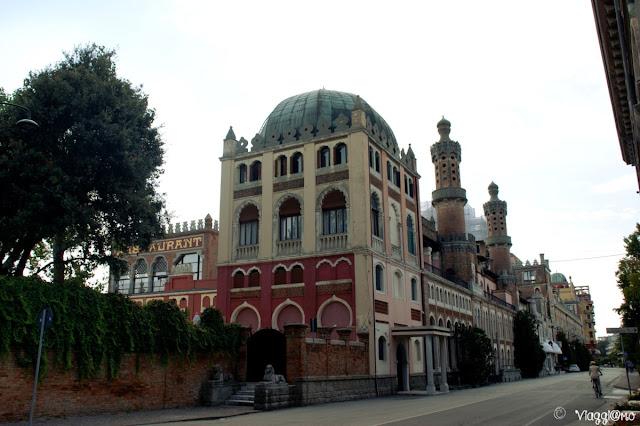 Uno degli alberghi di lusso del Lido di Venezia