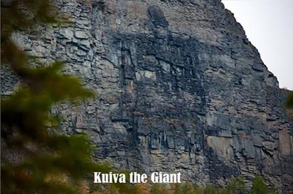 Kuiva the Giant. Según los mitos, esta extraña marca en la pared de roca fue dejada allí cuando los dioses enviaron unos rayos para incinerar a un gigante. A pesar del paso del tiempo las marcas no han desaparecido.