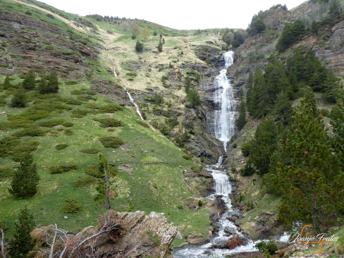 P1140140 - Ruta Las Tres Cascadas de Cerler con mucha agua
