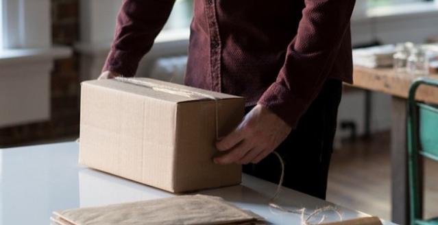 Ojol Bawa Paket ke Pengusaha, Ternyata Isinya Menyeramkan