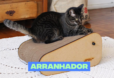 Porque gatos preferem arranhador de papelão?