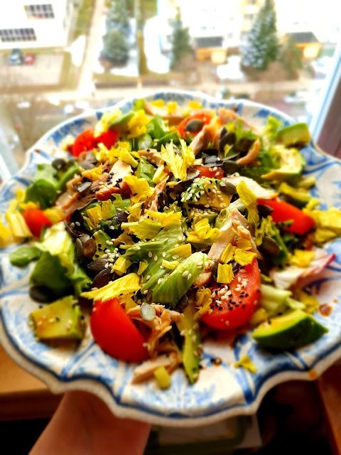 sałatka z kurczaka, sałatka z kurczakiem,imprzowa sałatka,wiem co jem,fit sałatka,sałatka na imieniny,sałatka z awokado,z kuchni do kuchni, najlepszy blog kulinarny,top blog,blogi kulinarne na topie (6)