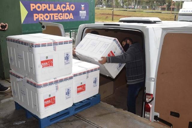 Paraná distribui nesta segunda-feira 223.268 doses de vacinas contra a Covid-19