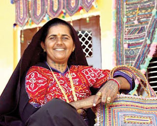 Pabiben-Rabari :  Global fame and lady entrepreneur from kutch in Kaun Bange Crorepati (KBC) Pabiben Rabari in KBC