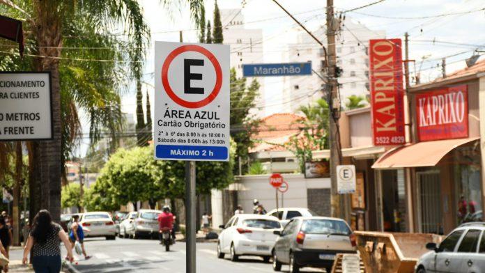 Prefeitura de Catanduva amplia vagas de estacionamento para o Natal
