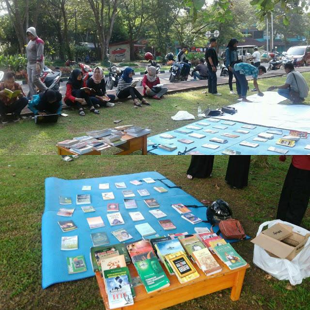 Hasil gambar untuk Hari Buku Nasional, PMII Unila Buka Stand Baca Buku Gratis