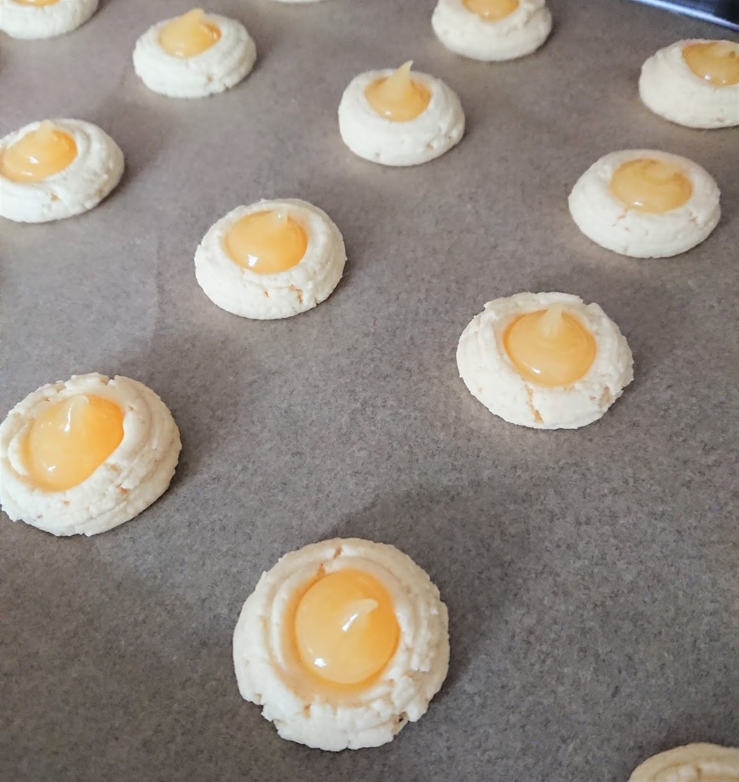 Unicorn Cakes: Lemon dimple cookies