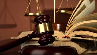 Perbedaan asas hukum acara pidana dan perdata.