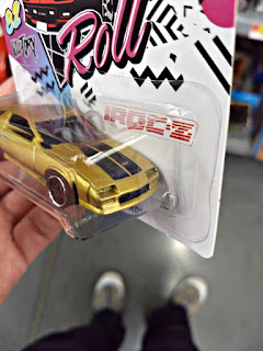 hot wheels iroc and roll 85 camaro