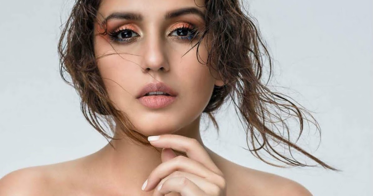 Hot Sexy Bollywood Actress Huma Qureshi Latest Photoshoot gallery