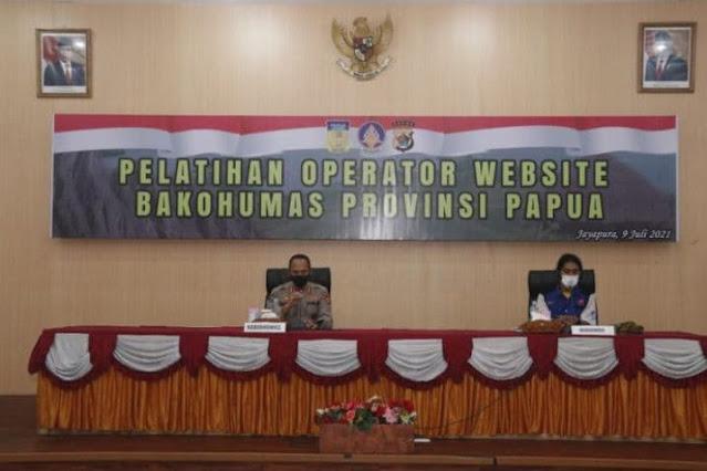 Ahmad Musthofa Kamal Buka Pelatihan Operator Website Bakohumas Provinsi Papua