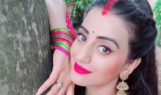akshara-singh-song-million-views