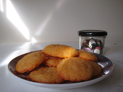 cheddar button crackers snack appetizer