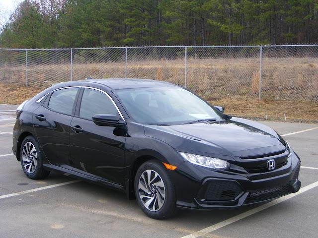 Honda Civic X Coupe vs. Honda Civic X Hatchback 2017