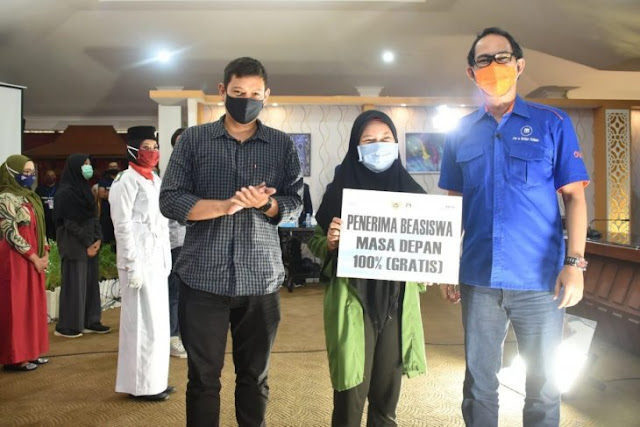 25 orang raih beasiswa dari Udinus di Kota Kediri
