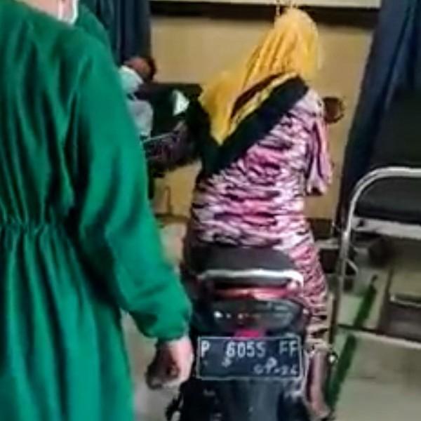 Siapa Emak-emak yang Viral Masukkan Motor ke Ruang IGD Rumah Sakit?