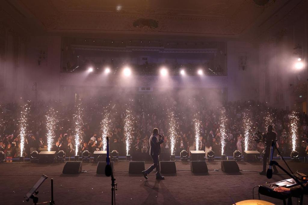عمرو دياب يتألق في حفل خاص بالعاصمة الإدارية الجديدة