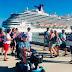 Los otros turistas: la mano amiga del crucerista, los dominicanos ausentes y los presentes