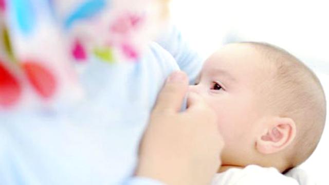Agar Anak Jadi Shaleh dan Shalehah, Jangan Lupakan 4 Hal Ini Ketika Sedang Menyusui Bayi