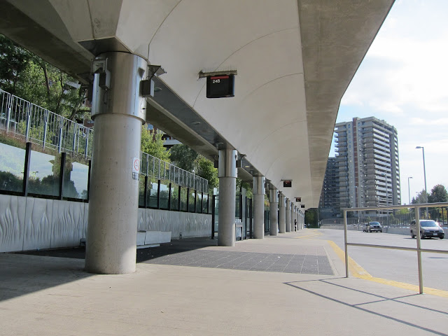 Victoria Park bus platform view looking south