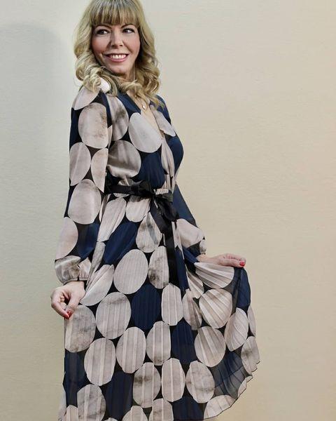 Midi φόρεμα με πιέτες