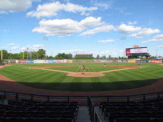 Home to center, Dow Diamond