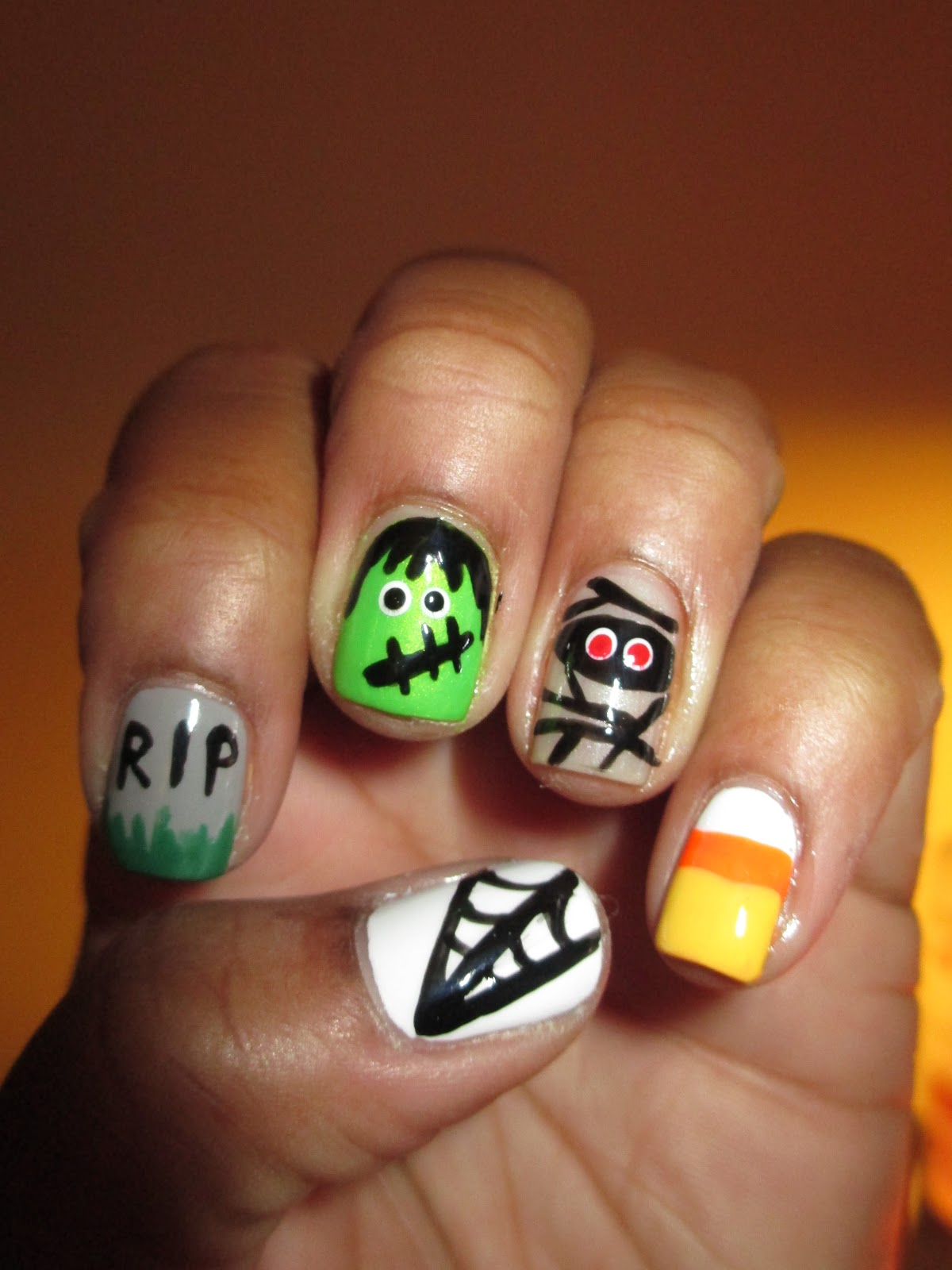 Fairly Charming: Late Night Halloween Nails :D