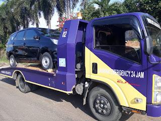 Pengiriman Mobil Menggunakan Towing Atau Yang Lebih Sering Disebut Dengan Derek Gendong Dari Jakarta Sampai Kudus.