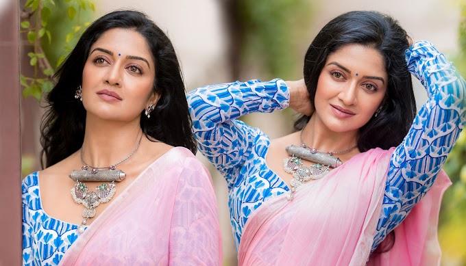 Actress Vimala Raman In Khadi Jamdani Saree Photos